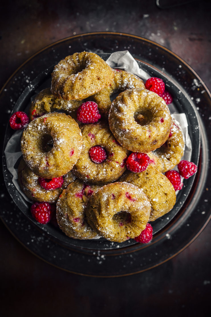 pumpkin mini cakes with raspberries