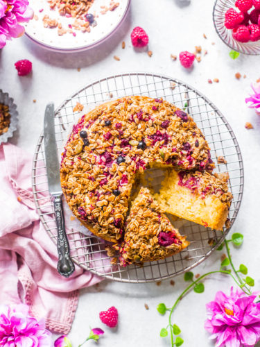 Berry and apple granol;a streusel cake